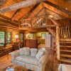 LAKEFRONT LOG CABIN, KAYAKS, PRIVACY, ON 3 ACRES!