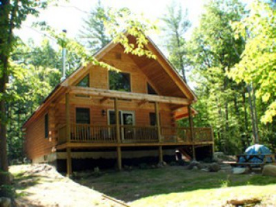 SECLUDED LOG CABIN YET CLOSE TO IT ALL!