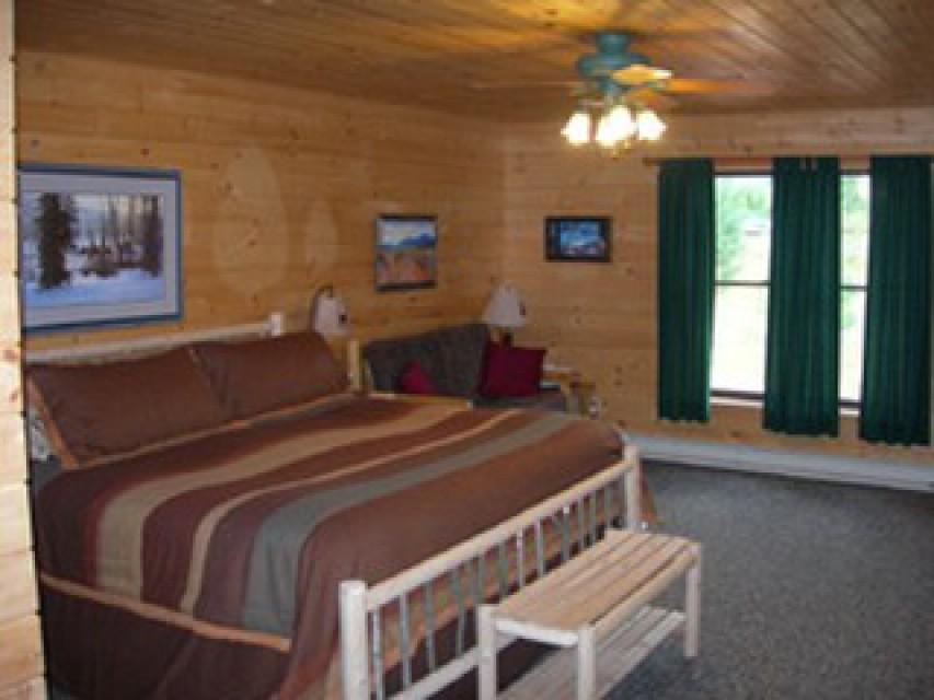 1st Floor Grand Master Bedroom