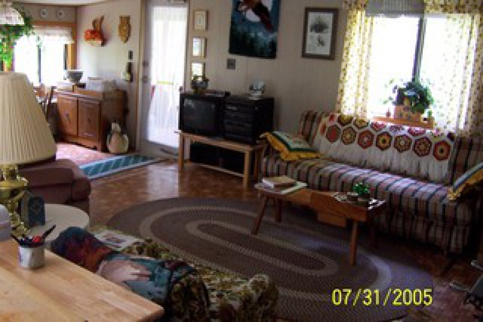 Wind Song's living room