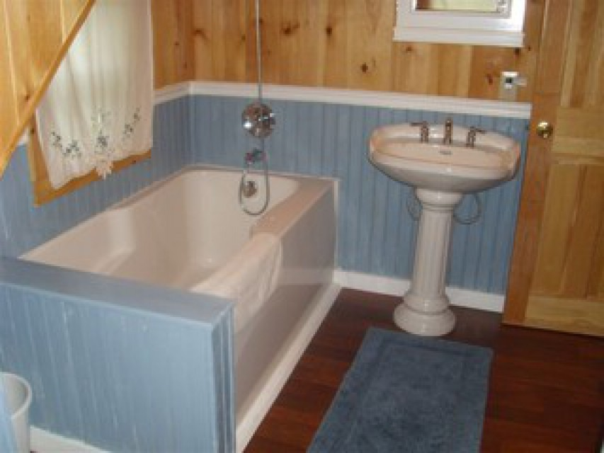 Upstairs soaking tub