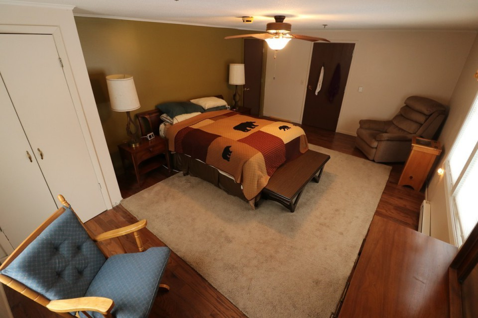 Master Bedroom #1 With Queen Size Bed