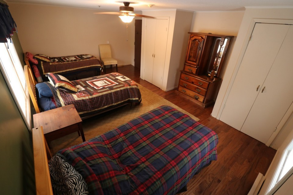 Bedroom #4 With 3 Twin Beds