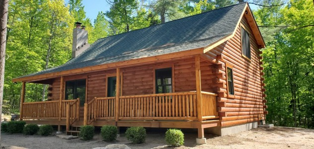 GRIZZLY BEAR CABIN