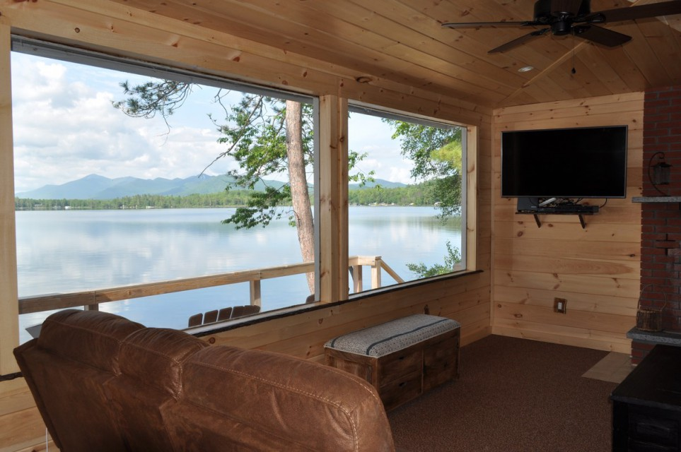 Large picture windows for unobstructed views