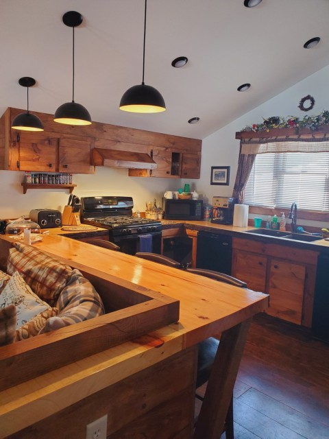 Fully equipped Kitchen for Cooking Meals.