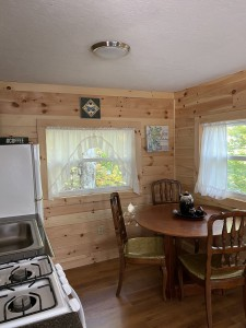 WATERFRONT COTTAGE-WALK, BIKE, OR PADDLE TO TOWN
