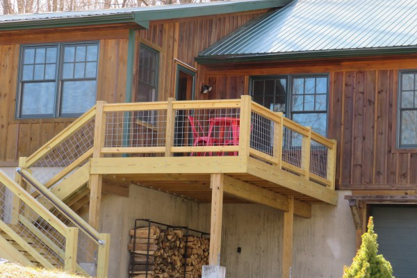 FRONT DECK MAIN ENTRY