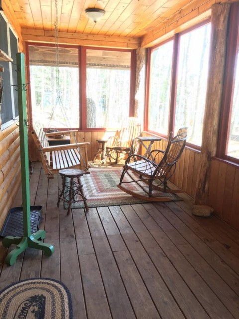 Large screened porch w/swing, rockers and dining table