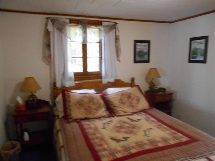 Comfortable Adirondack Charm - master bedroom.