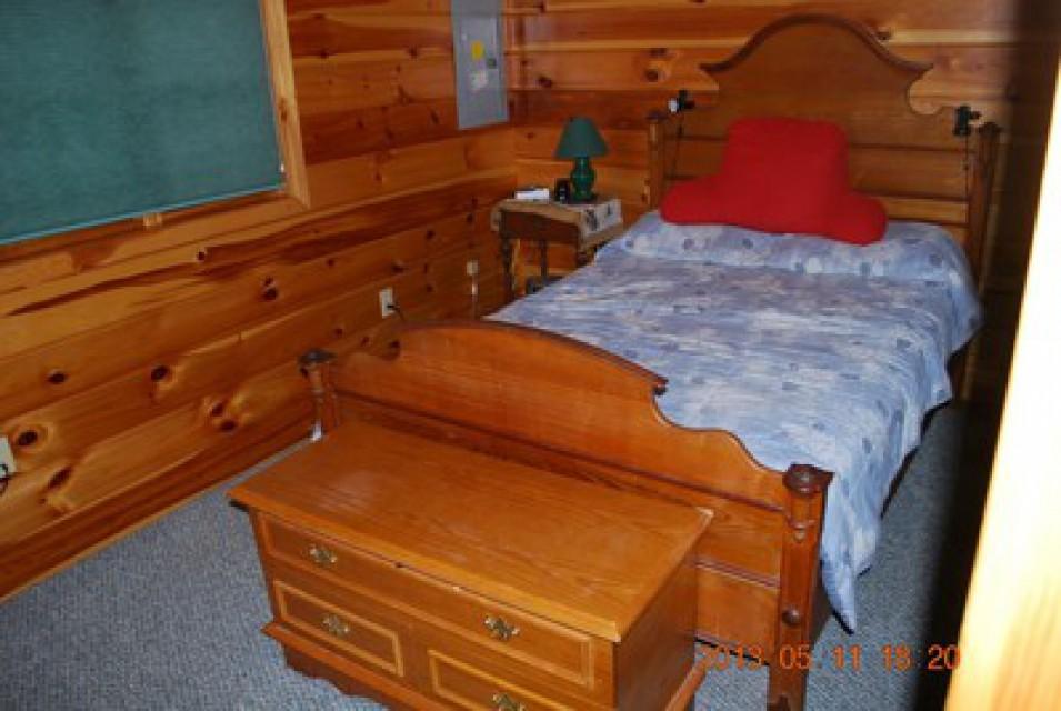 Bedroom in guest cabin