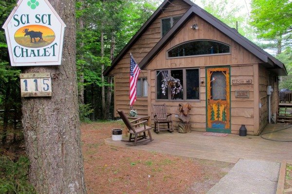 Charming three bedroom Chalet on the Moose River