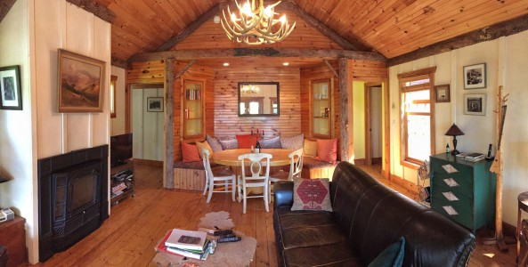 WATERFRONT 2 BEDROOM CABIN