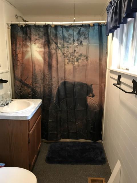 Full Bath (upstairs)