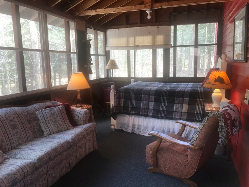Screened in Porch - double size bed