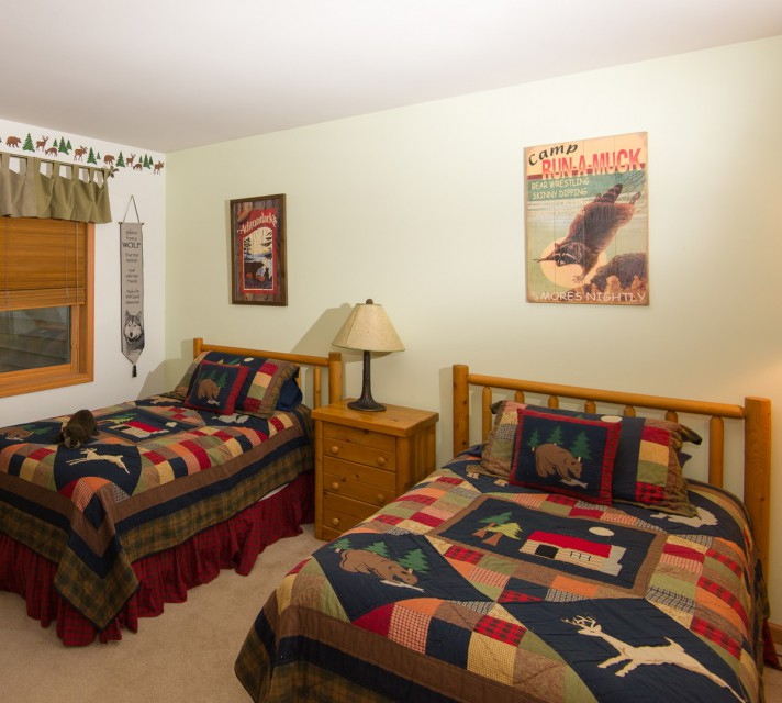 Our family bedroom with 2 single beds and bunk beds!