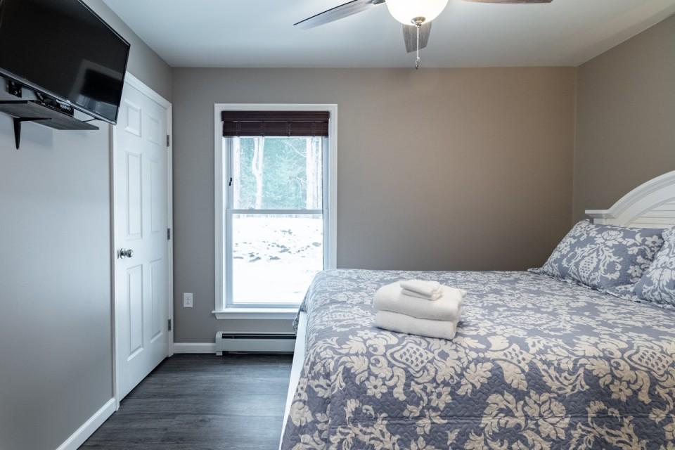 2nd Bedroom with Queen bed on 1st floor.
