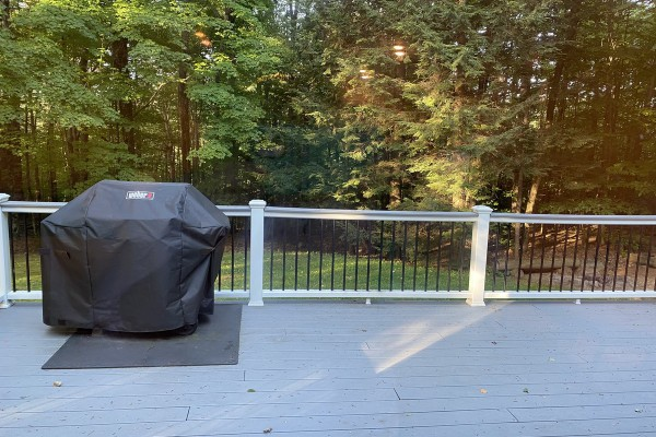 Trex deck off of the dining area w/ permanent Gas Grill