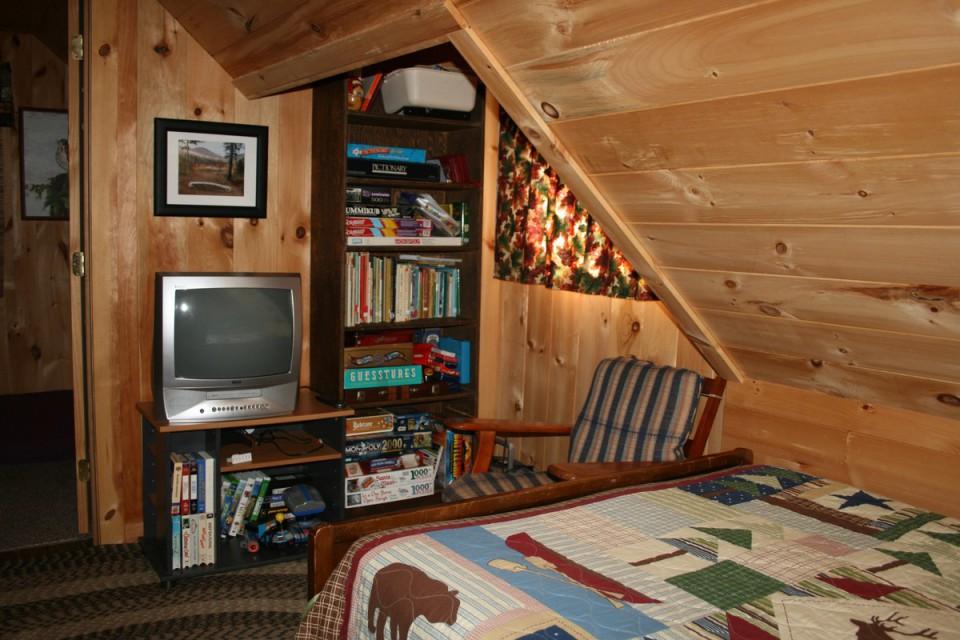 Upstairs open landing/2nd bedroom