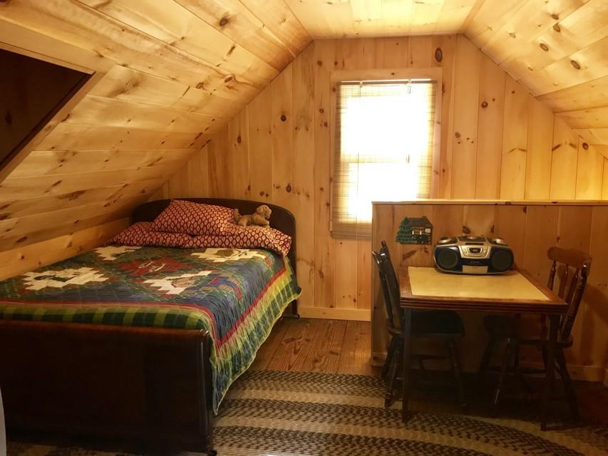 Bedroom 3/ Open Landing