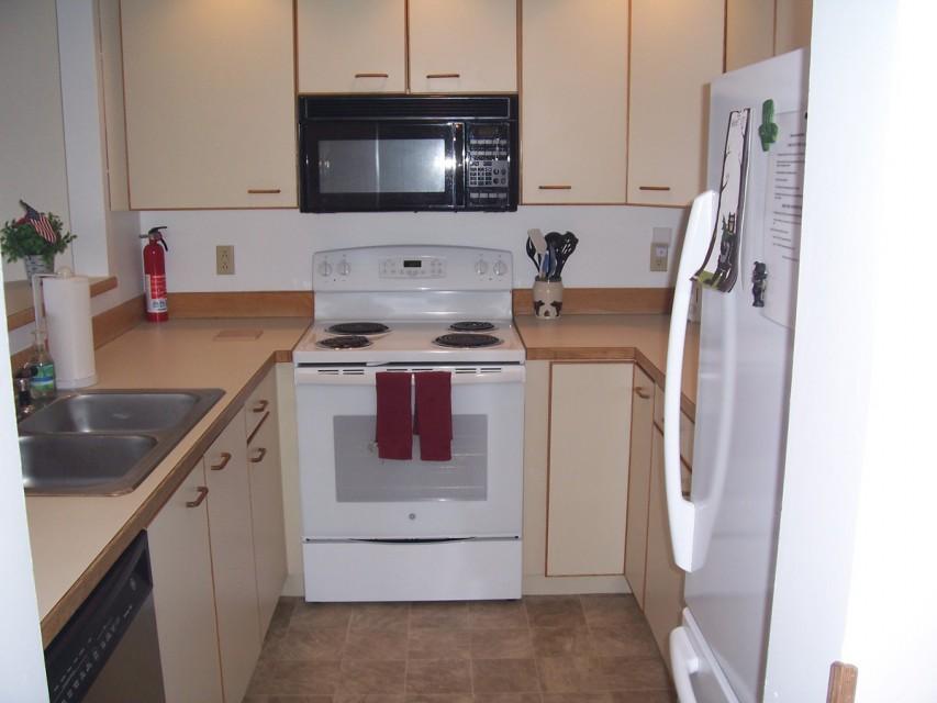 New flooring, freshly painted, frig, uwave, dw, range..
