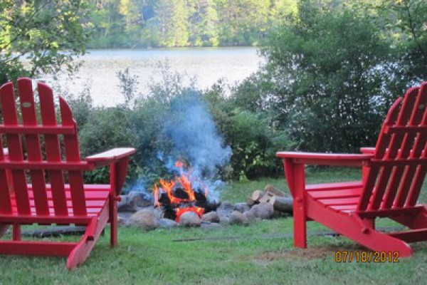 Enjoy a Lakeside campfire!