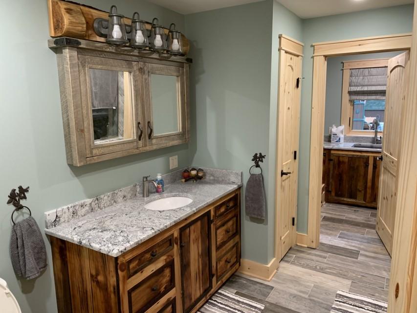 Main bathroom off mudroom