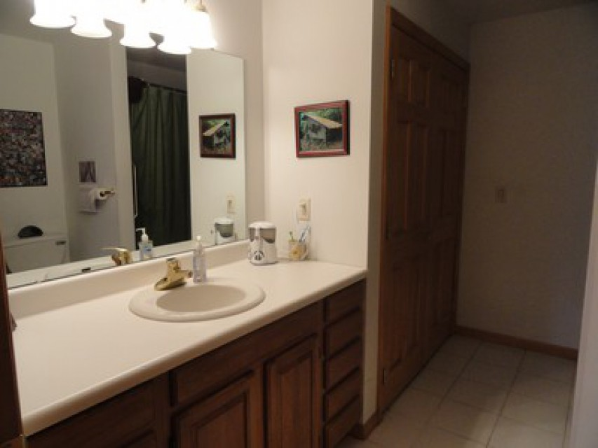 Full Bath With Washer & Dryer With Warm Tile Heat