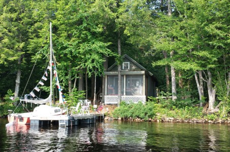 COZY WATERFRONT COTTAGE ON CRANBERRY LAKE
