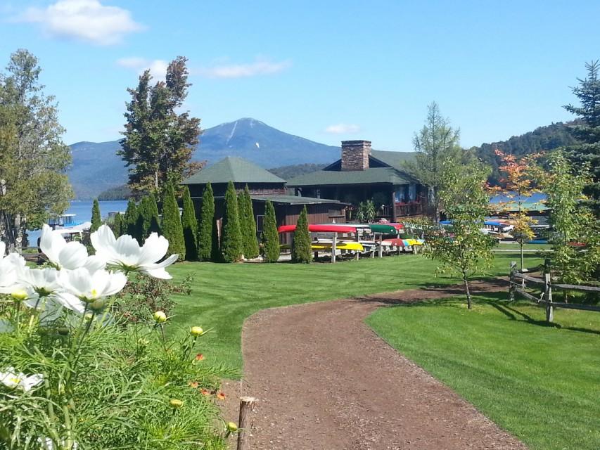 The beautiful Moose Lodge marina area at our resort!