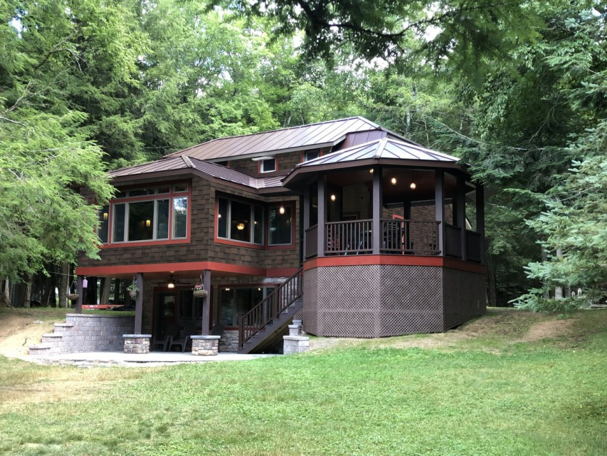 Newly Remodeled Lakeside View of Cottage