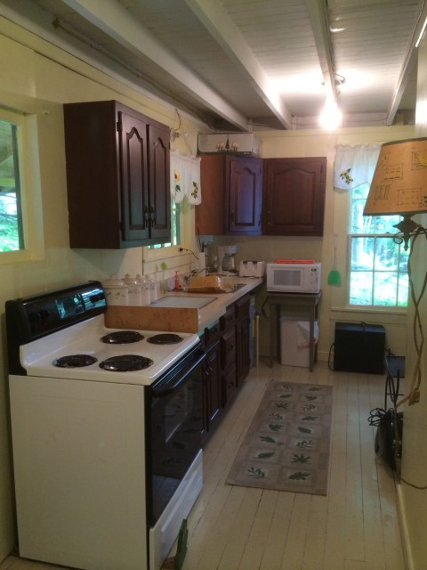 Full Kitchen - Stove, Microwave, Coffee Maker, Toaster