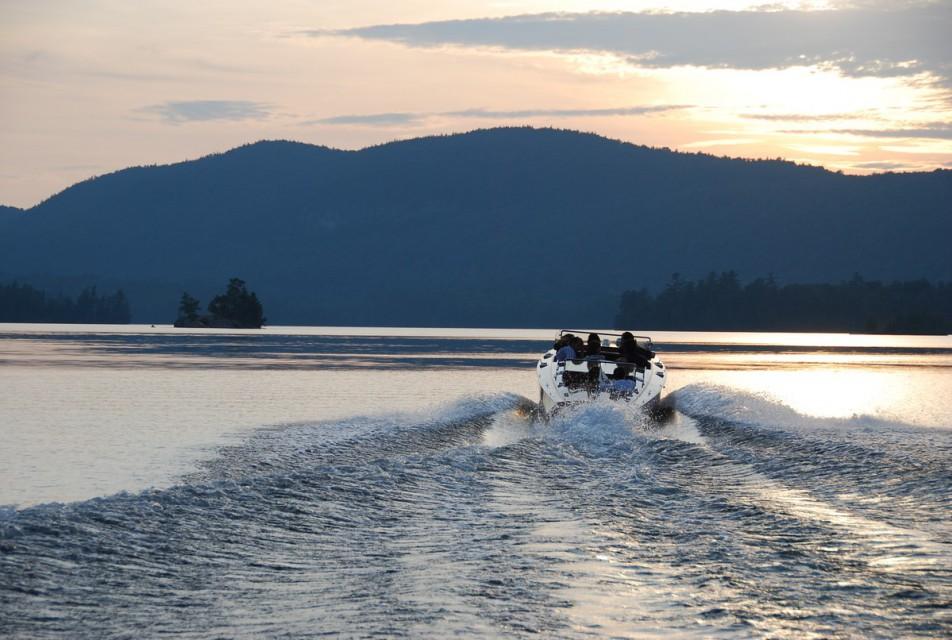 Sunset cocktail cruise on Eagle Lake
