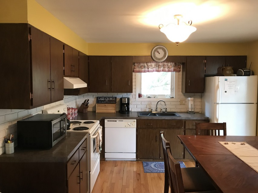 Spacious kitchen with dishwasher