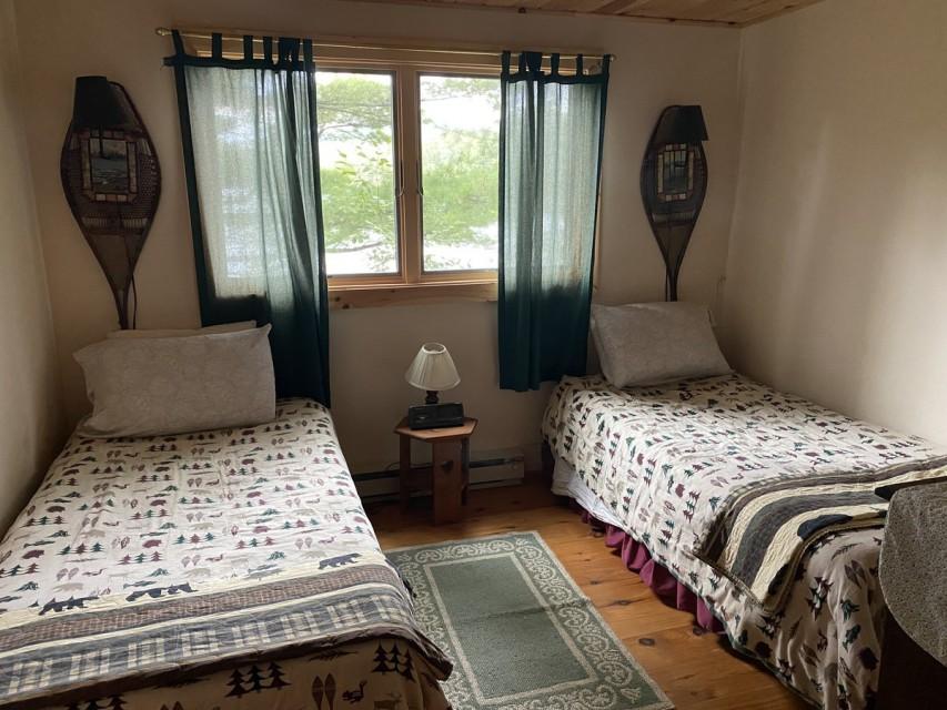 Twin Beds Bedrooom
