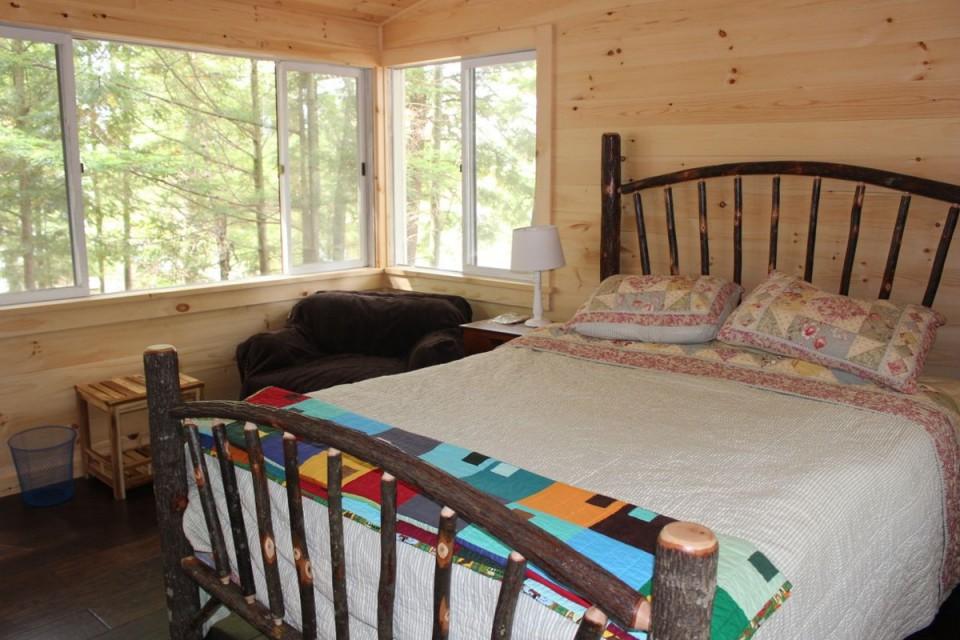 Master bunk cabin 1 Queen bed