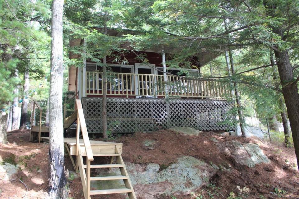 Large bunk cabin, 3 bedrooms, 8 beds, sleeps 10