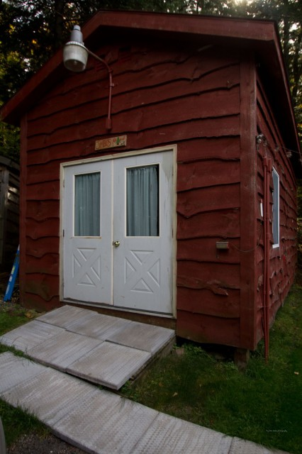 2nd guest quarters..sleeps 3 with bigscreen and library
