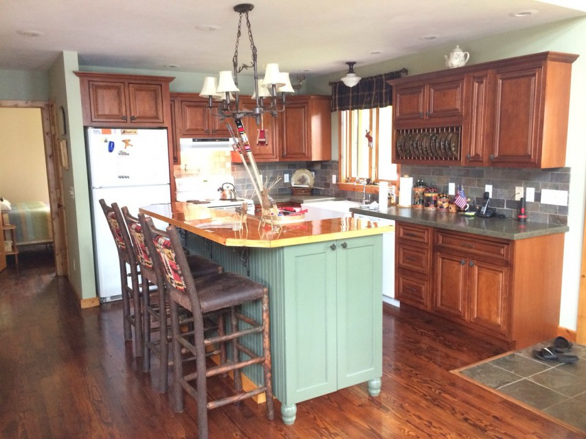 Fully equipped Kitchen with full sized island.