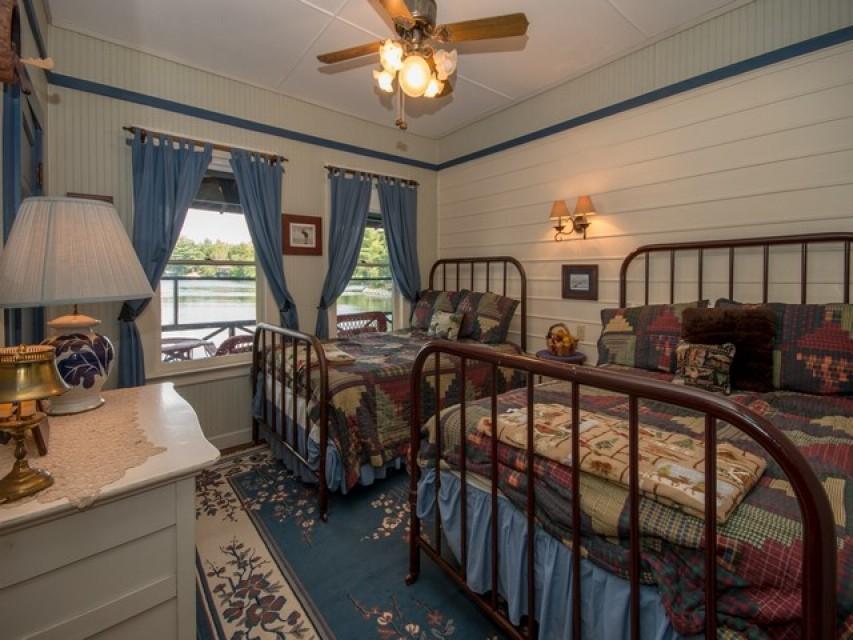 Bear Room (Bedrm #2)