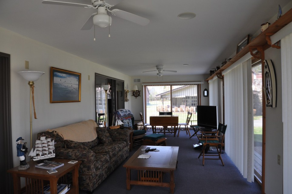 Screened porch with great views and sofa sleeper