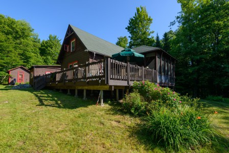 WATERFRONT CAMP IN THE HEART OF THE ADIRONDACKS