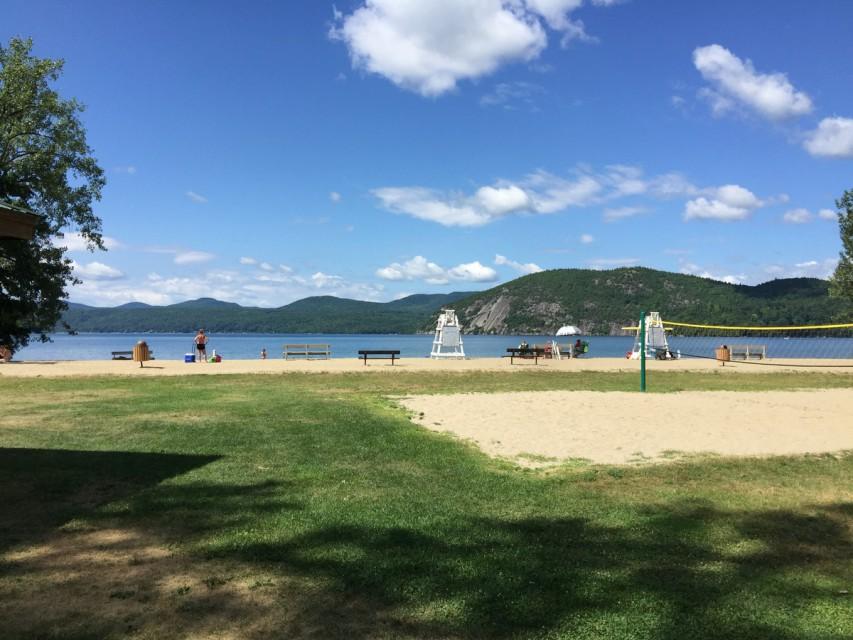 Tiroga Point Town Beach 3 Miles From House