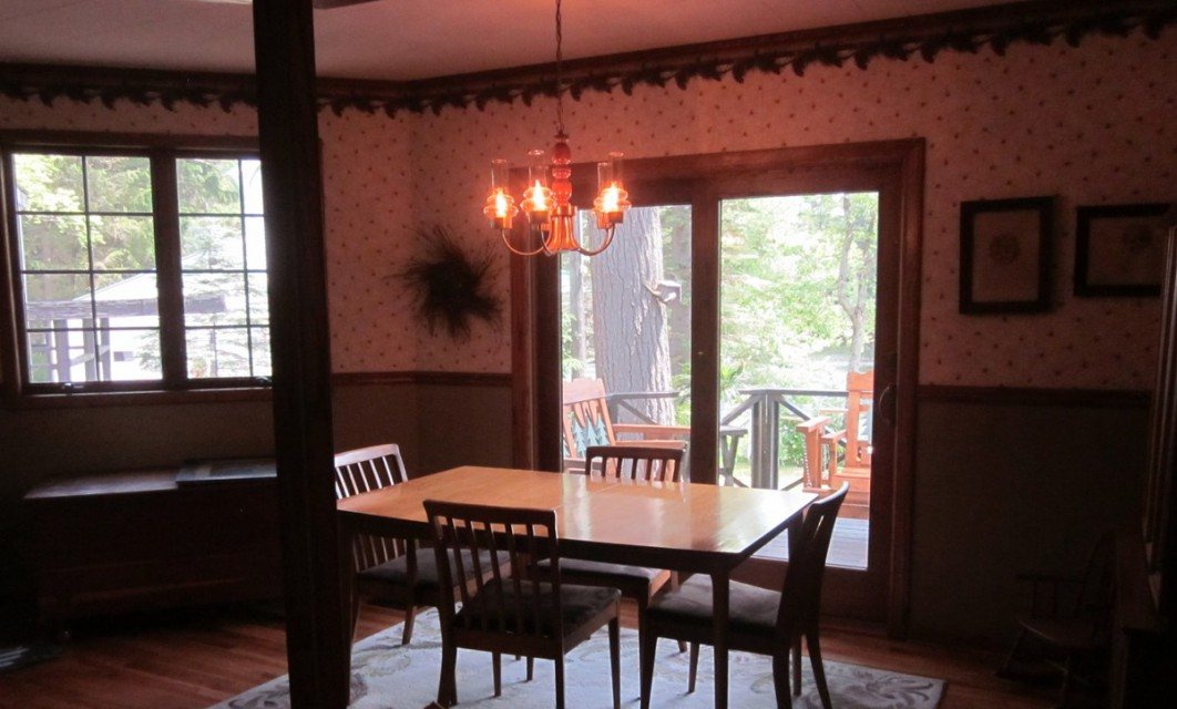 Dining Area Overlooking Porch and River