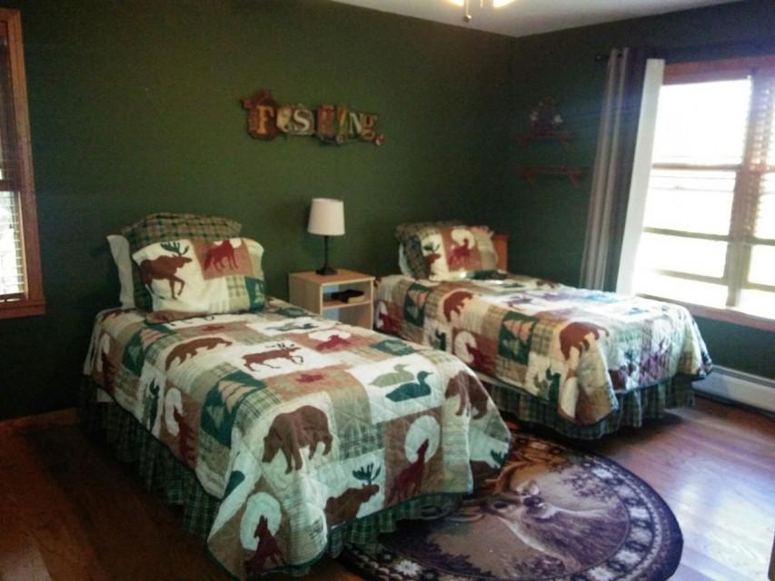 Adirondack bedroom