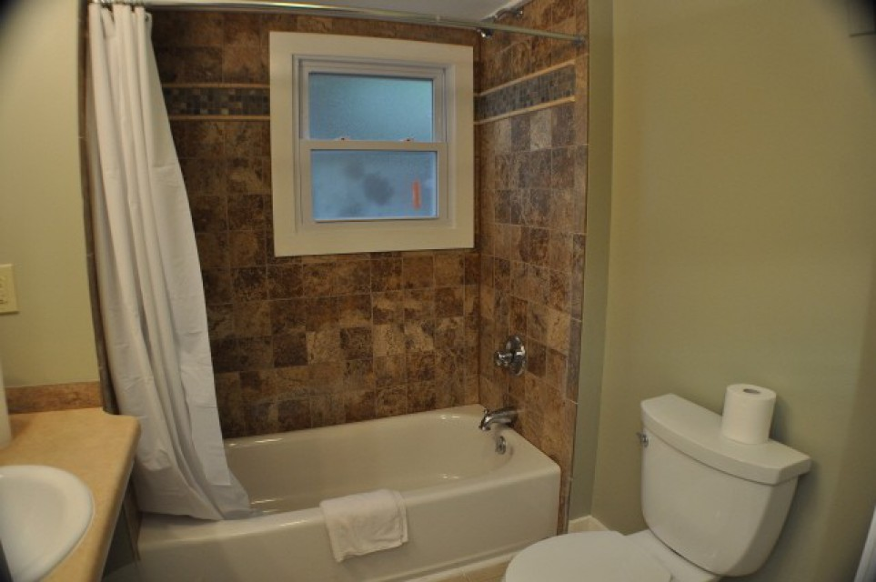 cottage 2&3 - bathroom