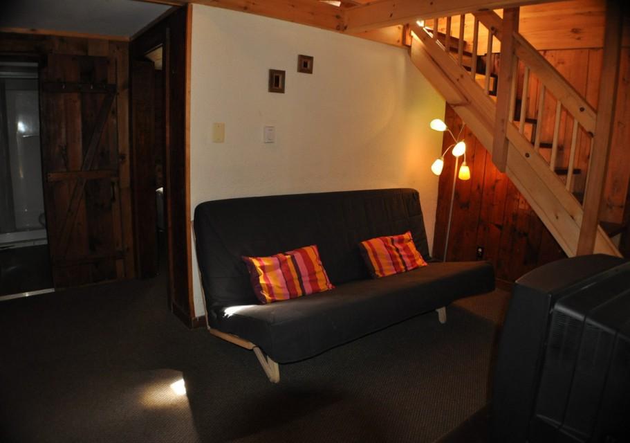 cottage 8/9/10 - living room
