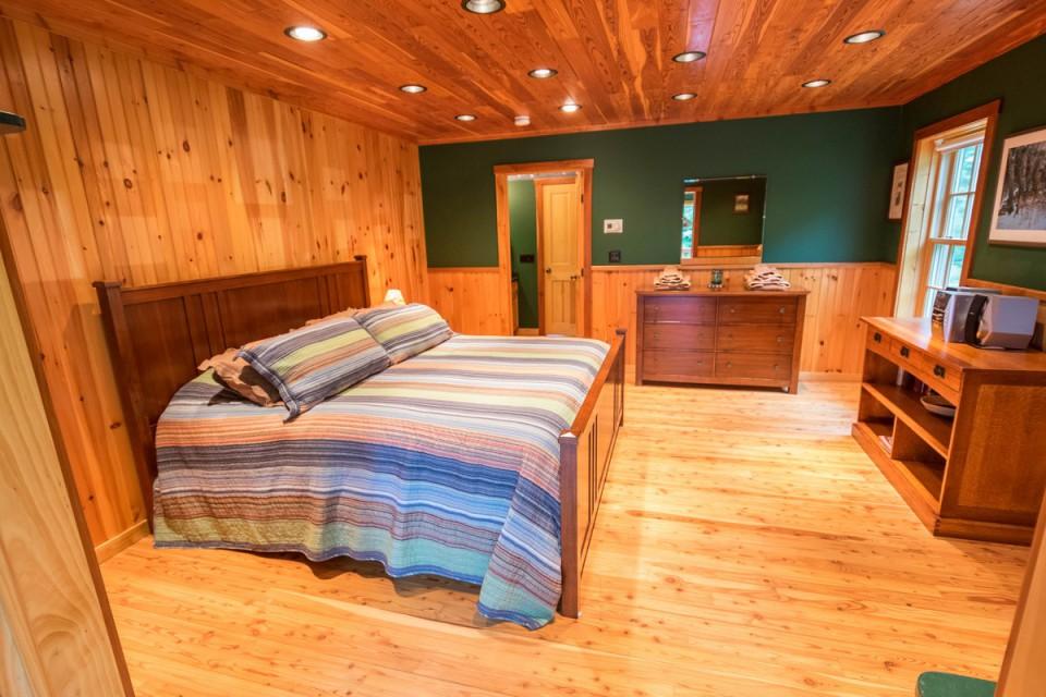 King Bedroom, 1st floor