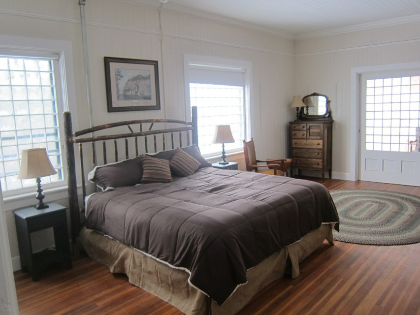 King Bed with awesome Hickory bedframe