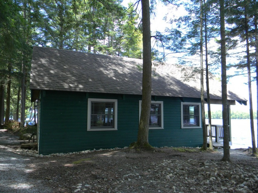 Recreation Room or Meeting Room on the Lake